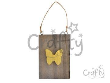 Drevená závesná vintage doštička - motýľ