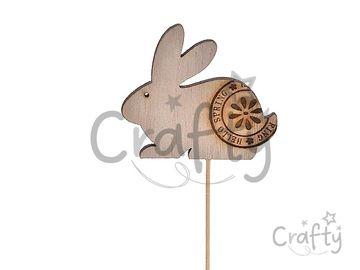 Drevený zapichovací zajac na špajli 21cm - prírodný s pečiatkou
