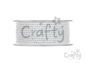 Lesklá zapletaná šnúrka 3mm - porcelánovo biela