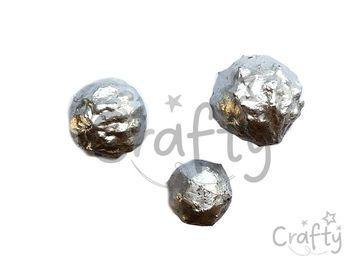 Sušené metalické orechy Dino 3ks - strieborné